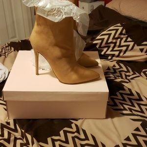 Ankle boots camel color